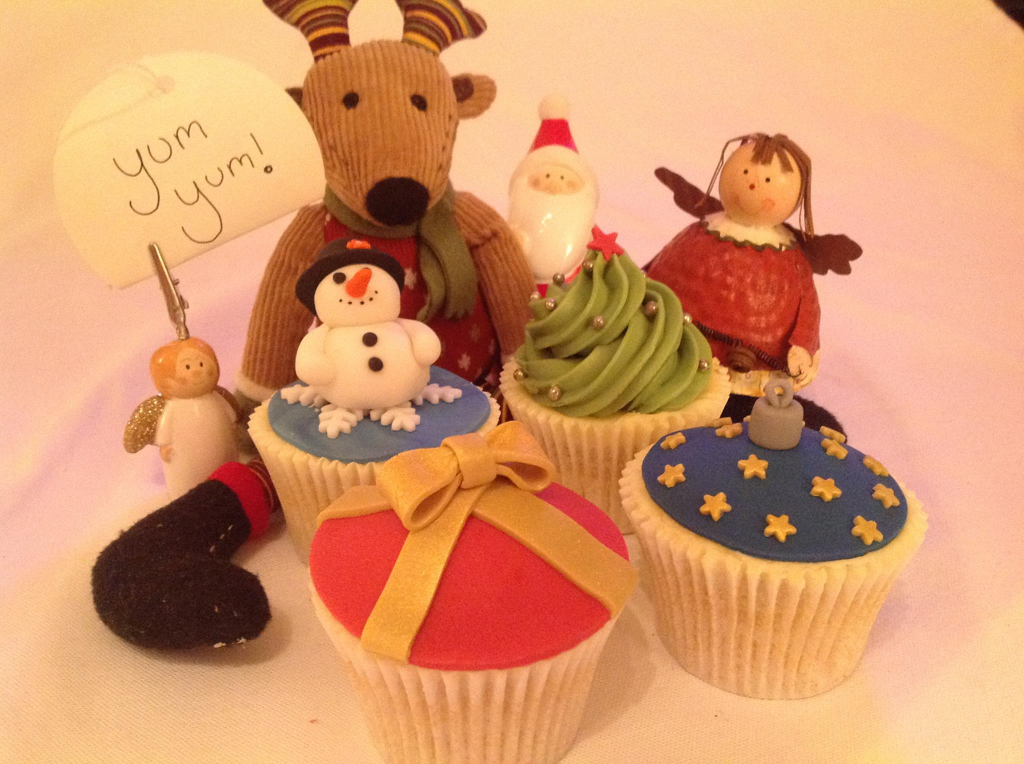 Creative Therapy Kate Hall Christmas Cupcakes