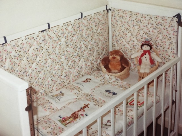 Creative Therapy: Jan Scott baby bed
