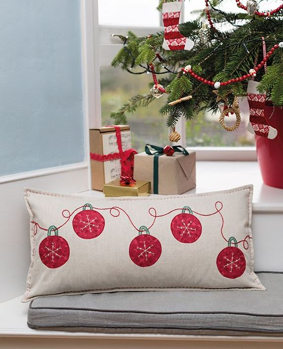 5 red baubles cushion